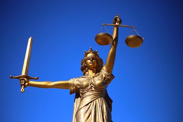 pozew sądowy